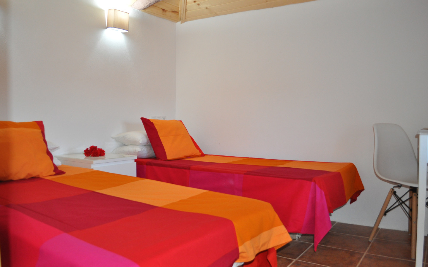 bedroom_huerta_pequena_self catering_holiday_accommodation_Montefrio_www.rural-andalucia.com