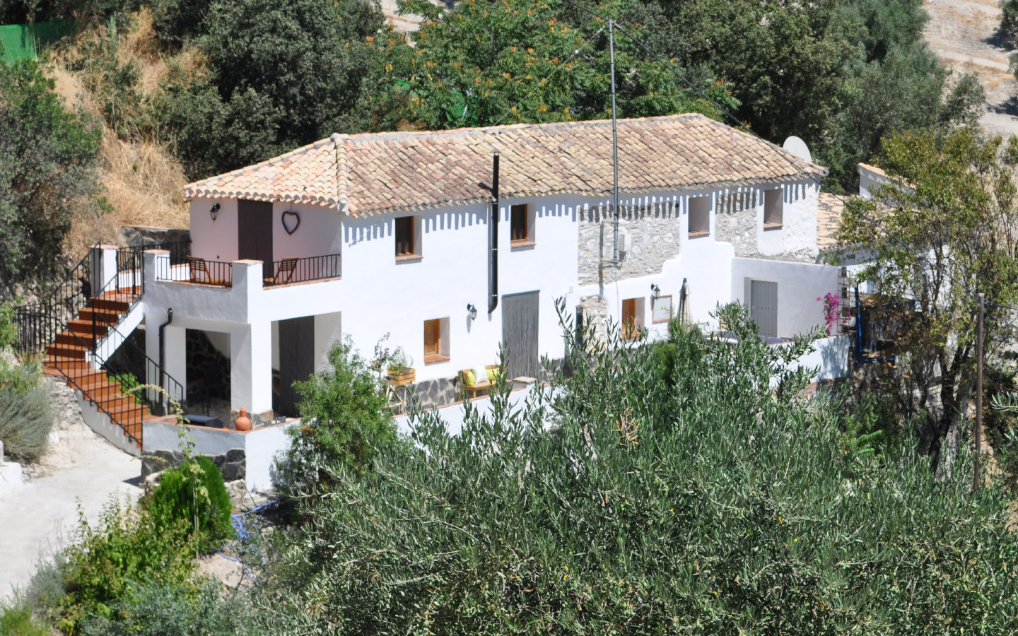 house_view_huerta_pequena_holiday_accomodation_Montefrio_Granada