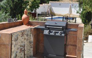 outside_kitchen_huerta_pequena_holiday_accomodation_Montefrio_Granada